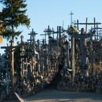 リトアニア→ラトビア移動-シャウレイ「十字架の丘」へ立ち寄り