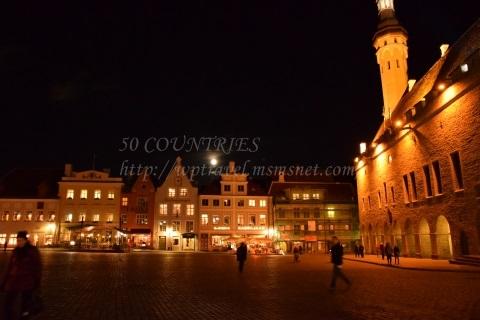 夜のラエコヤ広場