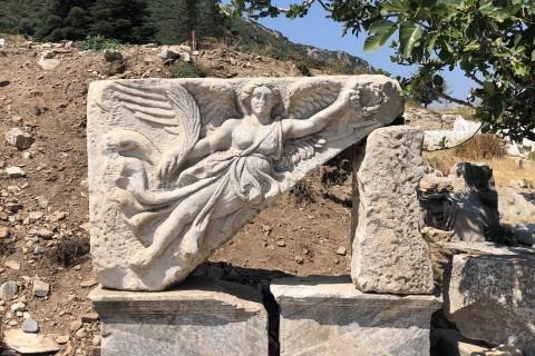 エフェソス遺跡-勝利の女神ニケのレリーフ
