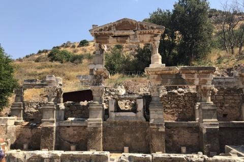 エフェソス遺跡-トラヤヌス帝の噴水