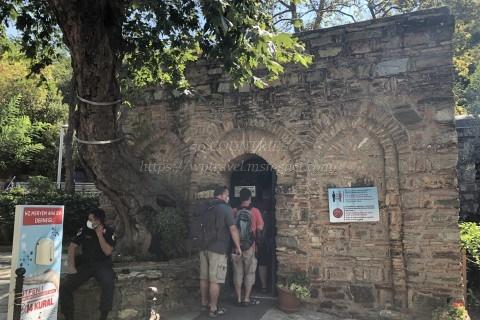 聖母マリアの家入口