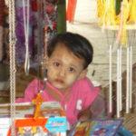 ミャンマー人の顔にはタナカ